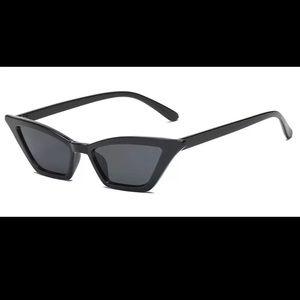 ☀️Cat eye sunnies☀️ BLACK